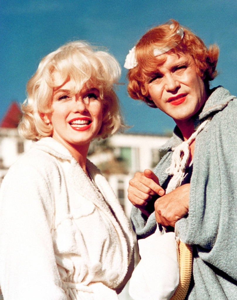 Marilyn Monroe and Jack Lemmon in Some Like It Hot.