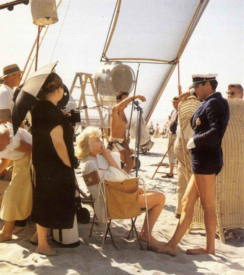 Marilyn Monroe and Tony Curtis during filming of Some Like It Hot at the Hotel del Coronado