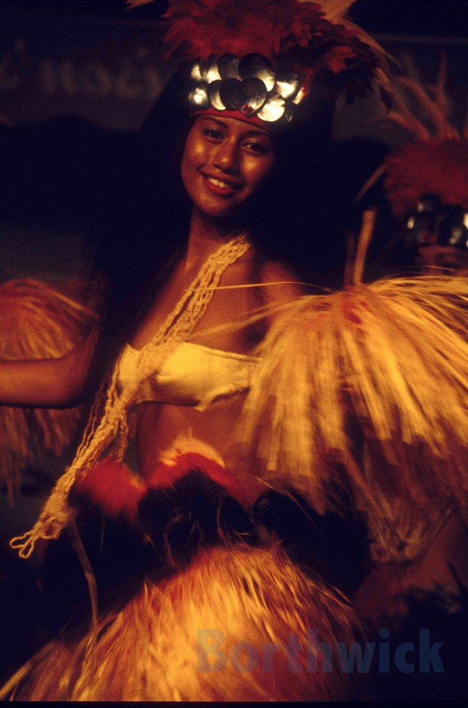 Gauguin Tahiti dancer 5