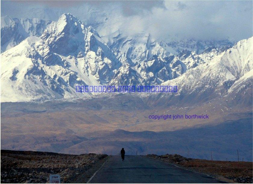 Karakoram Highwy, China